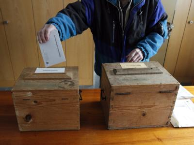 Stimmabgabe in Bauen