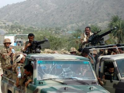 Jemenitische Soldaten sind im Norden des Landes auf Patrouille (Archivbild). Der Jemen gerät offensichtlich immer mehr ins Visier der US-Militärs.