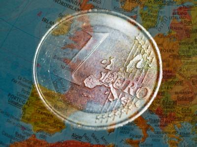 Die Koalition ist unter Umständen dazu bereit, die Entscheidung im Bundestag über den europäischen Fiskalpakt etwas zu verschieben. Foto:Patrick Pleul/Archiv