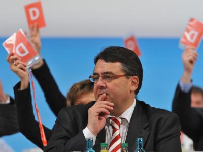 Sigmar Gabriel  wird auf dem SPD-Bundesparteitag in Dresden zum SPD-Vorsitzenden gewählt. (Archivbild vom 14.11.2009)