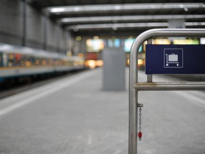 Bahnsteig ohne Gep�ckwagen