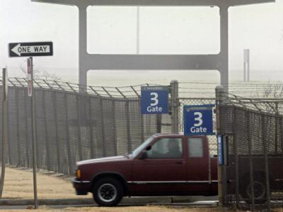 Tristesse: Ein Pickup verlässt das GM-Werk in Oklahoma City an dessen letztem Produktionstag am 21.2.2006.