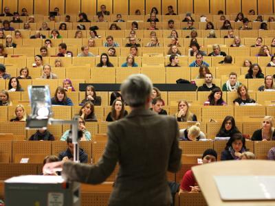 Das Bundesverfassungsgericht hat über die Besoldung von Hochschullehrern entschieden. Foto: Fabian Stratenschulte / Symbolbild