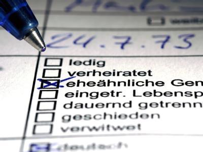 Weniger als jeder Zehnte bezog Ende 2010 soziale Mindestsicherungsleistungen. Archivfoto: Jens Schierenbeck