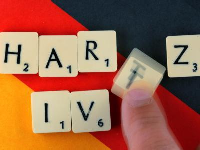 Das Wort «Hartz IV» gehört inzwischen zur Alltagssprache in Deutschland und ist kein «Unwort», so ein Sprachwissenschaftler.
