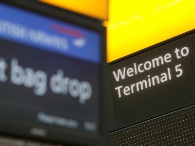 Im März 2008 kam es nach der Eröffnung des neuen Terminals an Europas größtem Flughafen London-Heathrow zu einem gigantischen Gepäck-Chaos. Foto: Andy Rain/Archiv