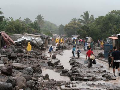 120 Tote nach Hurrikan Ida in El Salvador
