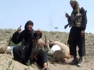 Der Screenshot eines Videos zeigt einen Dschihadisten aus Deutschland bei der Ausbildung in Terrorlagern im pakistanischen Grenzgebiet (Archiv).