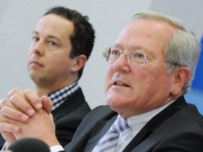 Die Fraktionsvorsitzenden Christean Wagner (CDU, r) und Florian Rentsch (FDP) im Landtag in Wiesbaden. Archivfoto: Arne Dedert