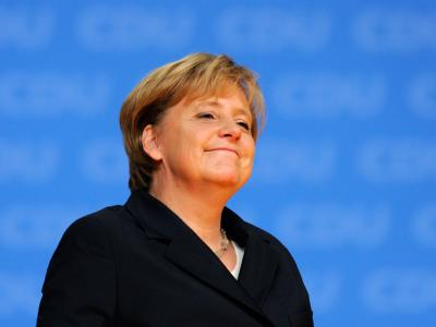 Die CDU-Vorsitzende und Bundeskanzlerin Angela Merkel genießt den Applaus der Delegierten.