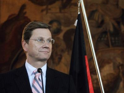 Außenminister Westerwelle (FDP) zeigt sich zurückhaltend zu einer Aufstockung des deutschen Truppenkontingents in Afghanistan.