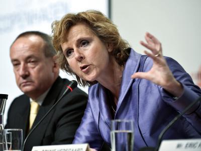 Unter Führung der Konferenz-Präsidentin Connie Hedegaard ringen Vertreter aus 192 Staaten um Ergebnisse beim Klimagipfel.