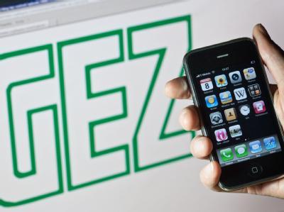 Für Smartphones ist die GEZ-Gebühr im Gespräch.