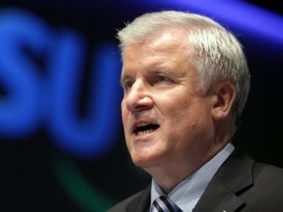 Bayerns Ministerpräsident Horst Seehofer (CSU) will die Gesundheitsprämie notfalls per Veto stoppen.