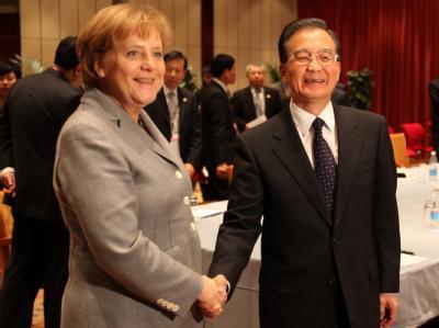 Bundeskanzlerin Merkel spricht am Rande der UN-Klimakonferenz mit Chinas Ministerpräsident Wen Jiabao.
