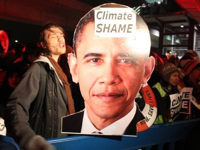 Proteste nach der Minimaleinigung in Kopenhagen: Die Regierungschefs haben sich auf ein unverbindliches Klima-Abkommen geeinigt.