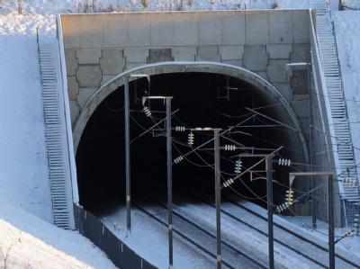 Im Eurotunnel unter dem Ärmelkanal ist kein Verkehr möglich.