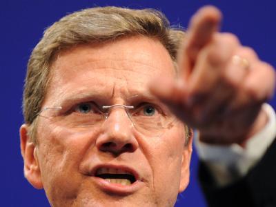 FDP-Chef Guido Westerwelle macht sich mit seinen Bemerkungen zur Hartz IV unbeliebt.