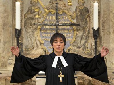 Die hannoversche Landesbischöfin Käßmann bei ihrer Neujahrspredigt in der Dresdner Frauenkirche.