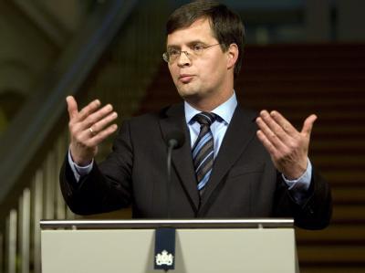 Ministerpräsident Jan Peter Balkenende hat in letzter Minute einen Bruch der Regierungskoalition in Den Haag abgewendet.