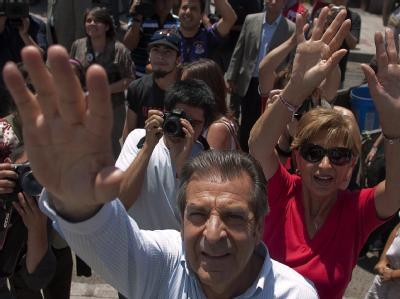 Der Christdemokrat Eduardo Frei tritt für die Mitte-Links-Regierung an.