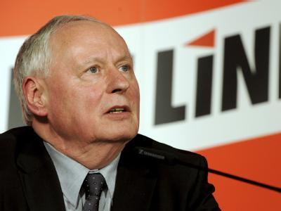 Oskar Lafontaine erläutert nach der Sitzung des Linkspartei-Vorstands die Gründe für seine Entscheidung.
