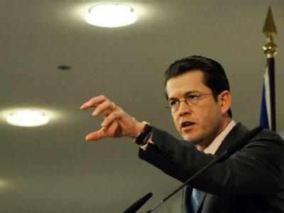 Bundesverteidigungsminister Karl-Theodor zu Guttenberg soll dem Kundus-Untersuchungsausschuss Rede und Antwort stehen.