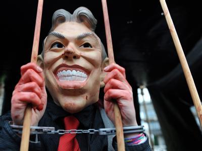 Der ehemalige britische Premierminister Blair hat sich vor einem Untersuchungsausschuss für den umstrittenen Einsatz im Irak gerechtfertigt.