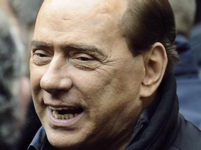Der italienische Ministerpräsident Silvio Berlusconi hat vor seinem dreitägigen Nahost-Besuch Israels Siedlungspolitik kritisiert.