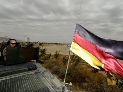 Bundeswehrsoldaten sichern bei Masar-i-Scharif einen Konvoi ab (Archivfoto).