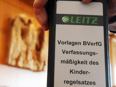 Während die Politik heftig um die Betreuung von Hartz-IV-Empfängern streitet, blicken die Betroffenen voller Hoffnung nach Karlsruhe.