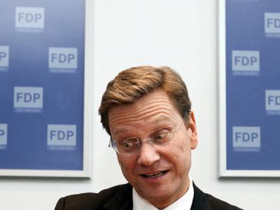 FDP-Chef Westerwelle fordert einen Neubeginn des Sozialstaats.