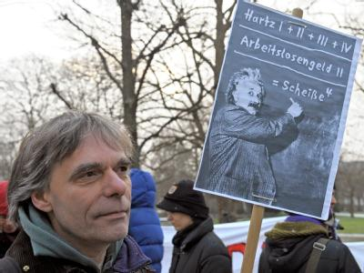 Laut Urteil verstößt die bisherige Hartz-IV-Regelung gegen die Verfassung.