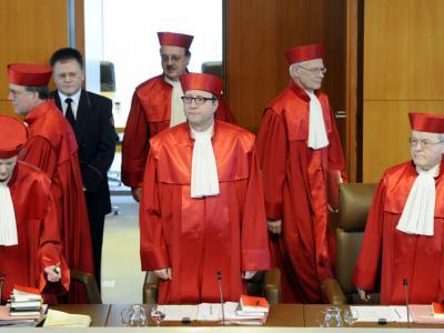 Der Zweite Senat des Bundesverfassungsgerichts in Karlsruhe soll erneut über das Luftsicherheitsgesetz entscheiden.