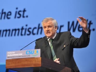 Der CSU-Vorsitzende und bayerische Ministerpräsident Horst Seehofer beim Politischen Aschermittwoch der CSU in Passau (Niederbayern).
