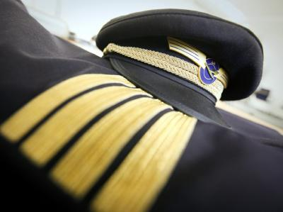 Im Tarifkonflikt geht es um Gehaltsforderungen und um die Sicherung von rund 4500 Arbeitsplätzen bei der Lufthansa, ihrer Frachttochter Cargo und der Tochter Germanwings.
