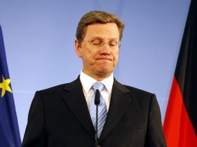 Bundesaußenminister Guido Westerwelle (FDP) gibt im Auswärtigen Amt ein Statement ab (Archivbild).