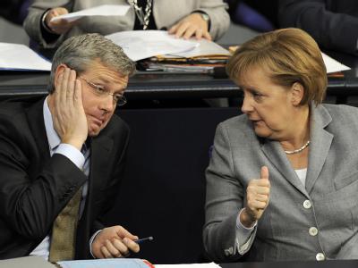 Das hat gesessen: Bundeskanzlerin Merkel distanziert sich von den Atom-Plänen des Bundesumweltministers Norbert Röttgen.