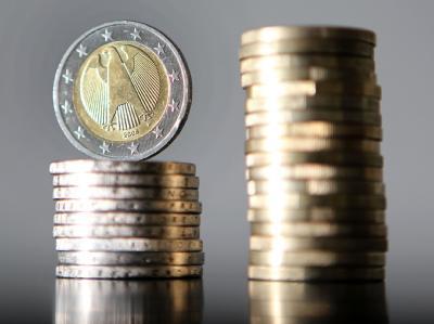 Die Nettokreditaufnahme des Bundes könnte auf rund 80 Milliarden Euro gedrückt werden. Das wären etwa sechs Milliarden Euro weniger als zunächst veranschlagt. (Symbolbild)