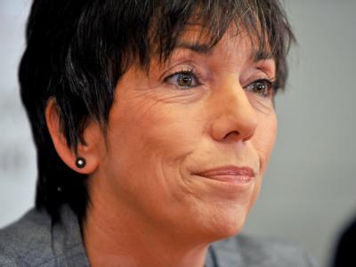 Die Ratsvorsitzende der Evangelischen Kirche in Deutschland (EKD), Margot Käßmann, erklärt vor Journalisten ihren Rücktritt.