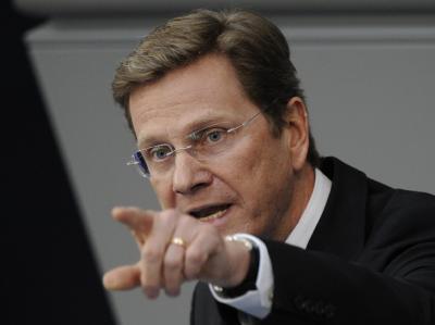 Außenminister und Vizekanzler Guido Westerwelle (FDP) spricht im Bundestag (Archivbild).