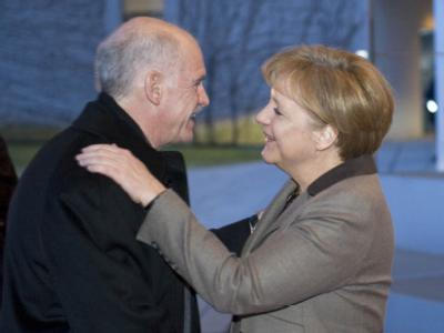 Bundeskanzlerin Angela Merkel empfängt Griechenlands Premierminister Giorgos Papandreou.