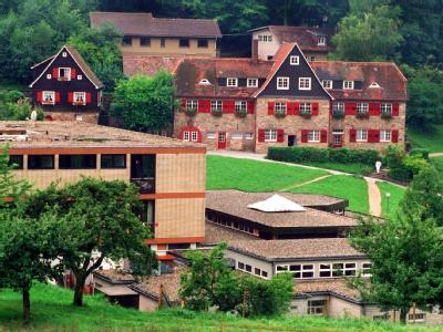 Blick auf das Gelände der Odenwaldschule in Heppenheim (undatiertes Archivfoto).