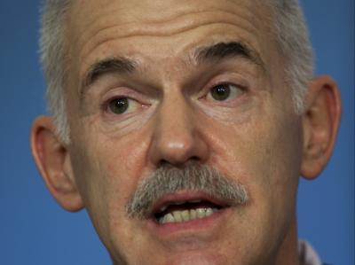 Regierungschef Papandreou: Gewähren IWF und Euro-Nachbarn die Milliardenhilfe?