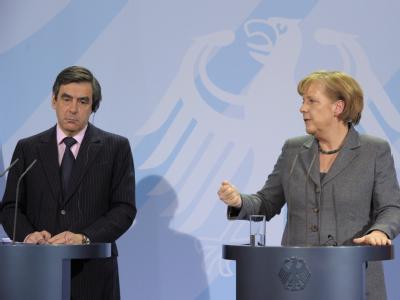 Bundeskanzlerin Angela Merkel und der französische Premierminister Francois Fillon während einer Pressekonferenz im Kanzleramt.