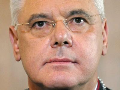 Der Regensburger Bischof Gerhard Ludwig Müller (Archivfoto vom 28.10.2009).