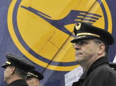 Erneuter Pilotenstreik droht: Einen Monat nach dem Abbruch eines Streiks bei der Lufthansa hat die Gewerkschaft Vereinigung Cockpit (VC) die Verhandlungen für gescheitert erklärt.