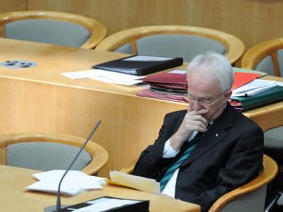 Der nordrhein-westfälische Ministerpräsident Rüttgers (CDU) am Mittwoch im  Landtag in Düsseldorf.