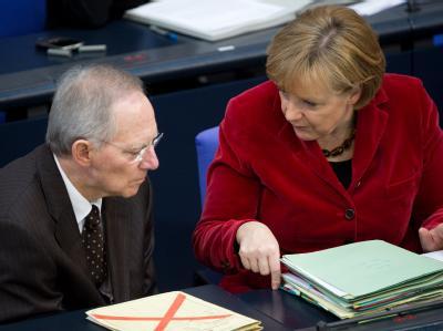 Finanzminister Schäuble und Kanzlerin Merkel befürchten, dass Deutschland in der EU zum Dauer-Geldgeber wird.