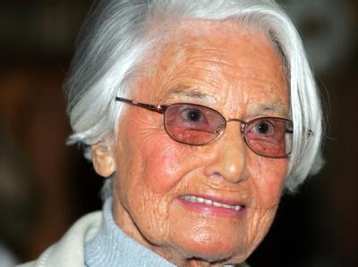 Die Gründerin des Meinungsforschungsinstituts Allensbach, Elisabeth Noelle-Neumann, ist im Alter von 93 Jahren gestorben.